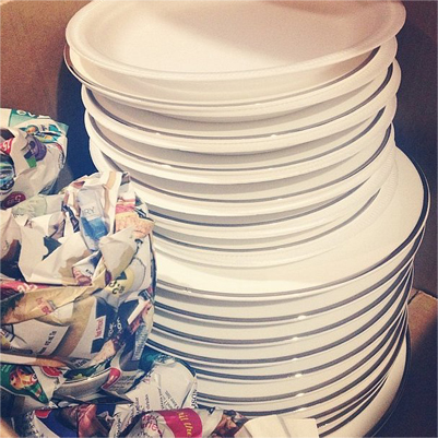 pack plates with paper plates