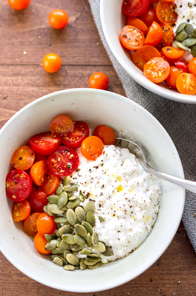 Cottage cheese with tomatoes and pepitas